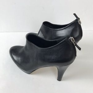 Franco sarto leather booties size 7 mint